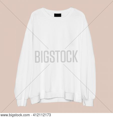 Simple white crew neck unisex streetwear apparel