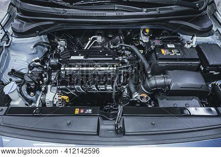 Novosibirsk, Russia - March 2 2021: Hyundai Solaris, Closeup Of A Clean Motor Block, . Internal Comb