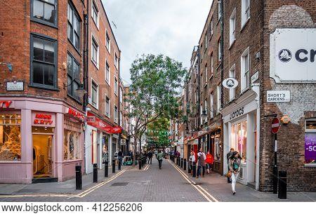 London, Uk - September 9 2015: The Junction Of Neal Steet And Short's Garden, In Covent Garden. Neal