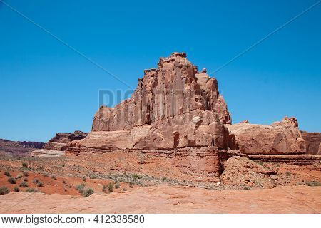 Red Rock Canyon Mountain View. Mountain Red Rocks In Canyon Desert. Red Rock Canyon Mountains. Red R