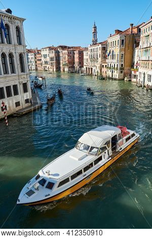 May 21, 2017 - Venice, Italy: View Of The Grand Canal From The Rialto Bridge, With Big Ship Crossing