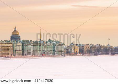 Day Hermitage Saint-petersburg Russia Palace Embankment Winter Postcard