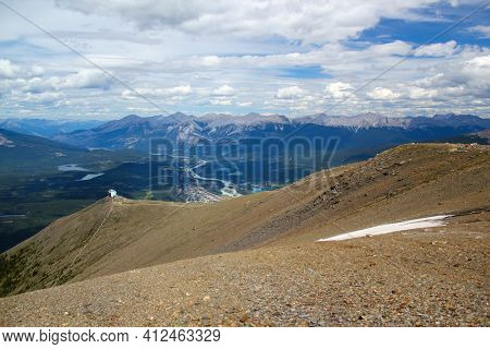 Wonderful And Wide View In Jasper Nationalpark: Jasper Town, Moutainstation Of Skytram And A Majesti