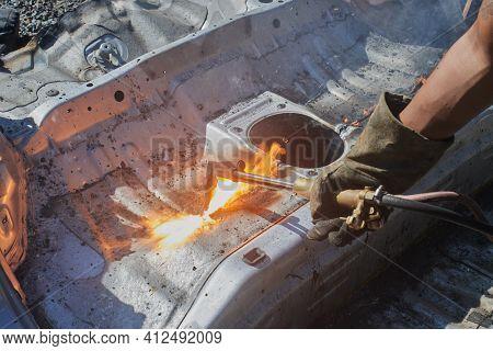 Auto Mechanic Or Car Mechanic Cut Car Frame Or Body By Oxygen Acetylene Cutting Technique
