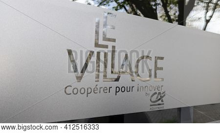 Bordeaux , Aquitaine France - 03 08 2021 : Le Village By Ca Office Help Desk And Support For Young C