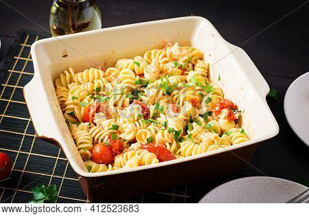 Fetapasta. Trending Feta Bake Pasta Recipe Made Of Cherry Tomatoes, Feta Cheese, Garlic And Herbs