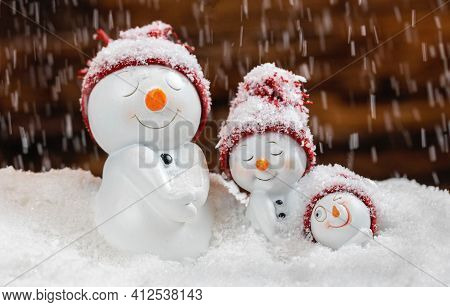 Snowman On The Snow Beautiful Picture Snow Fall Winter New Marry Close Up Snow Balls Pretty Backgrou