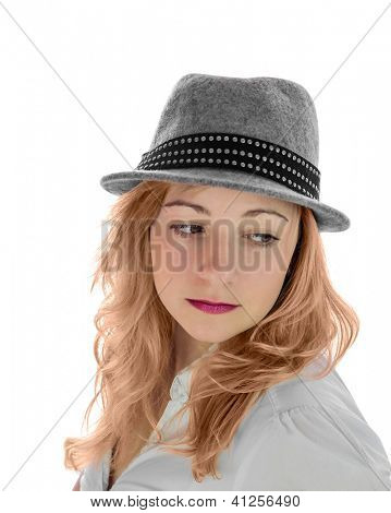 Portrait eines Mädchens in einen Hut. Auf weißem Hintergrund zu isolieren