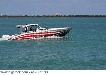 Ocean Race Boat Powered By Four Outboard Engines.