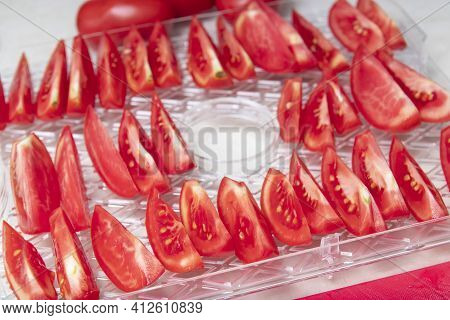 Drying Tomatoes In A Dryer, Cooking Process, Storage Of Crops