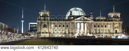 Reichstag Building In Berlin - Most Famous - Main Government Building In Berlin - Berlin, Germany -