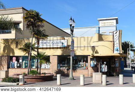 HUNTINGTON BEACH, CALIFORNIA - 22 JAN 2020: Beach Island Souvenir shop in downtown Huntington Beach.