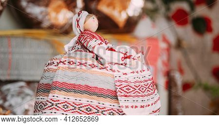 Russian Samovar Is Decorated With A Belarusian Folk Doll. Table With Rolls, Baranki, Bun, Bread And