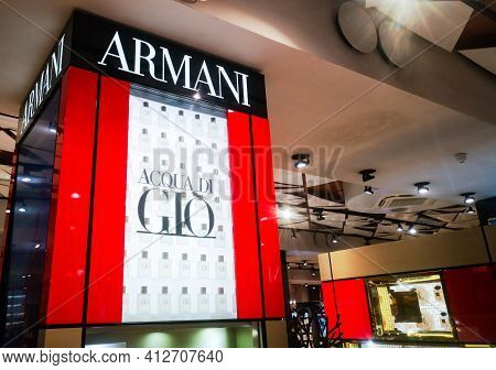 Collection Of Cologne For Men Acqua Di Gio From Giorgio Armani Belongs To The Group Of Woody Aromati