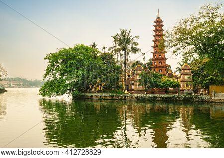 Tran Quoc Pagoda, Aka Khai Quoc , National Founding, In Hanoi, Vietnam