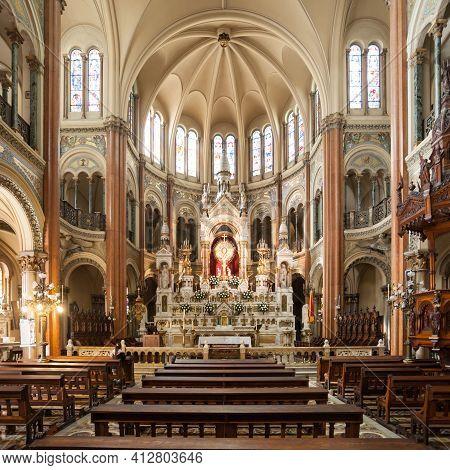 Buenos Aires, Argentina - April 14, 2016: Basilica Del Santisimo Sacramento Interior In Buenos Aires