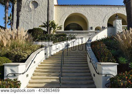 HUNTINGTON BEACH, CALIFORNIA - 22 JAN 2020: Steps at the Hyatt Regency Resort and Spa on Pacific Coast Highway.
