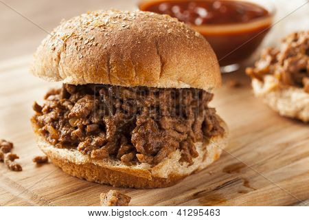 Sloppy Barbecue Beef Sandwhich