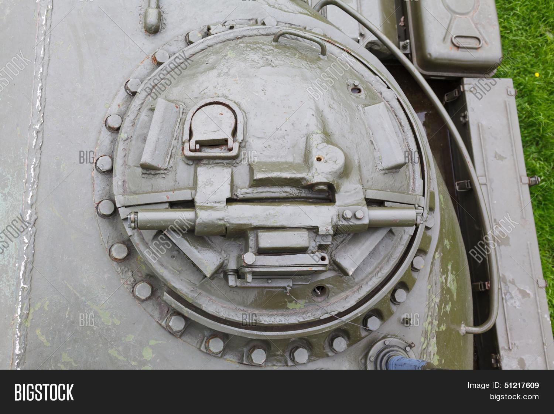 картинки открытый люк танка распространена трихофития, реже