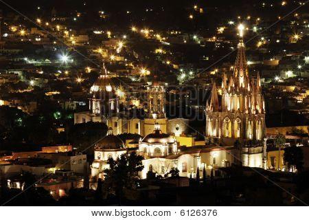 La Parroquia In San Miguel De Allende