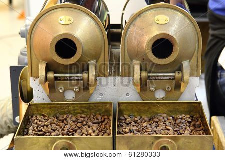 Old Cafe Beans Machine