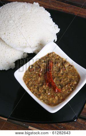 Idli Molagapodi is a breakfast dish from India