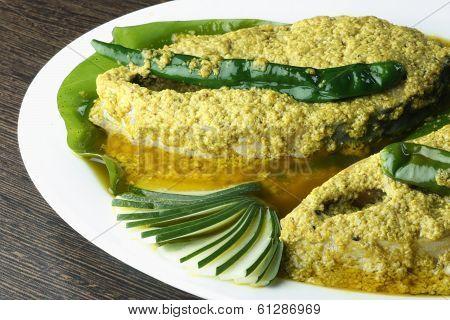 Elisher tela jhal - A Bengali Dish