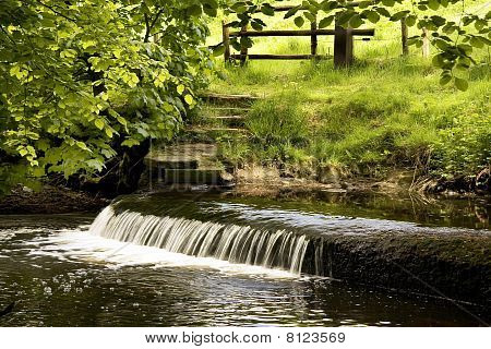 Calderglen Weir