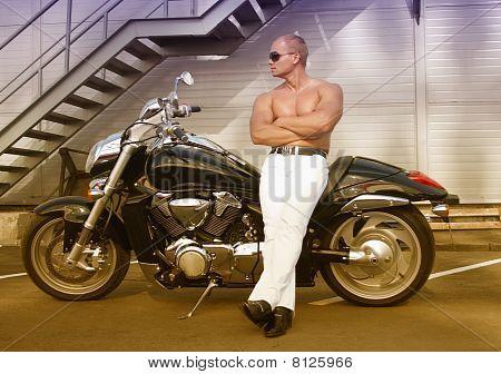 Shirtless Kaukasische Biker