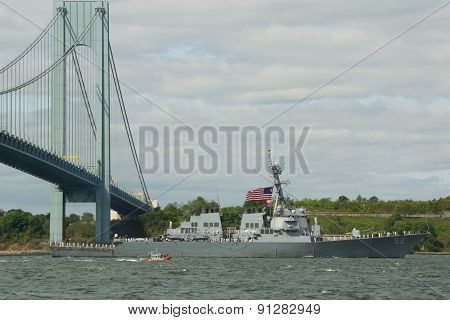 USS Barry guided missile destroyer during parade of ships at Fleet Week 2015
