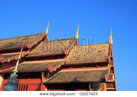 Three pinacle roof.