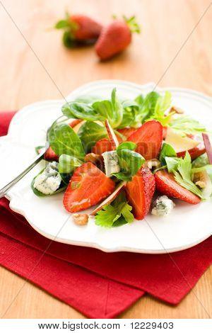 Salad with strawberries,gorgonzola,apple and walnut
