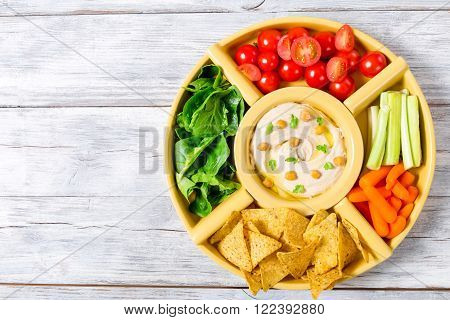 hummus, hommos, carrot, spinach, tomato, vegan, top view