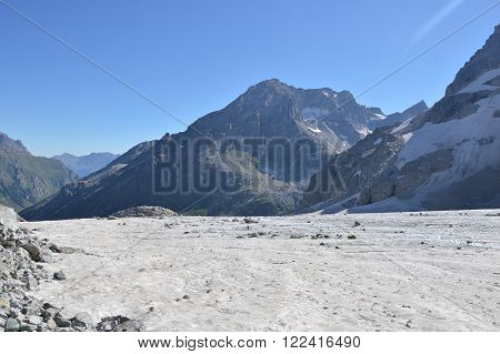 Snow-capped Mountains, Snow