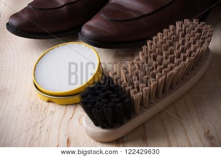 Shoe Care. Shoe Wax And Brushes On Wooden Surface. Glacage Shoes. Oxfords.waxing.bull Shoes.finger P