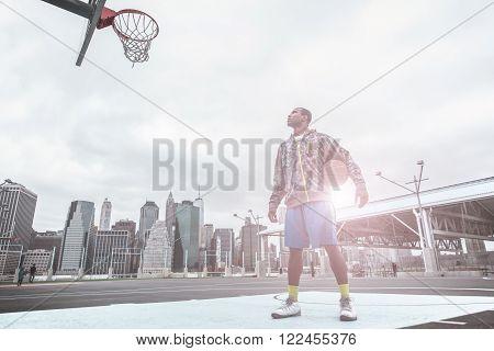 I m gonna slam dunk. basketball player focusing on the basket