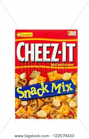 Winneconne WI - 4 February 2015: Cheez-it Snack Mix created in 1921 and is now owned by Kellogg Company.