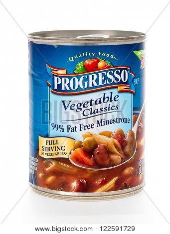 Winneconne, WI - 7 February 2015: Can of Progresso Vegetable Classics 99% Fat Free Minestrone soup.