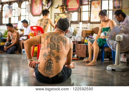 WAT BANG PHRA, THAILAND - MART 18, 2016: Unidentified participant Wai Kroo (Luang Por Phern) Master Day Ceremony at Bang Pra monastery, about 50 km west of Bangkok.