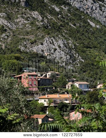 Village Hideaway In High Mountain
