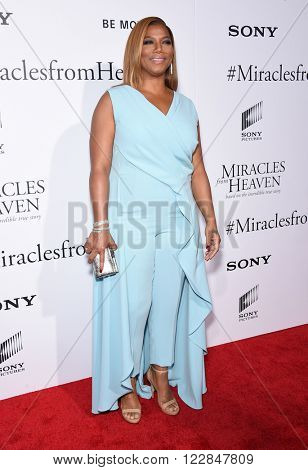LOS ANGELES - MAR 09:  Queen Latifah arrives to the