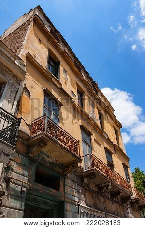 Ramshackle house in the centre of Athens