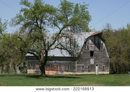 Old unused Barns across the Midwest of America