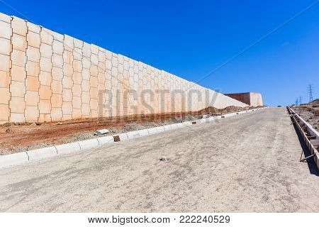 Construction Concrete Walls