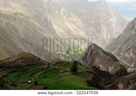 Peru, Cotahuasi canyon, The wolds deepest canyon. The canyon also shelters several remote traditional rural settlements
