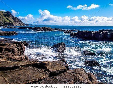 Waves crashing ashore, Goat Island New Zealand