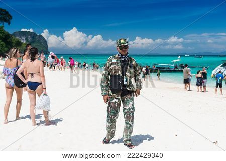 KRABI THAILAND-Oct 25:The official of The national park is patrol at the bay of Maiphai  island at Andaman sea on Oct 25,2017 in Krabi Thailand