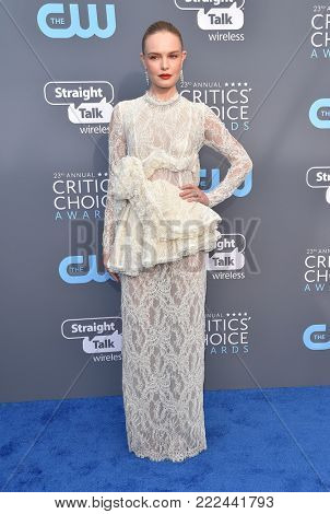 LOS ANGELES - JAN 11:  Kate Bosworth arrives for the 23rd Annual Critics' Choice Awards on January 11, 2018 in Santa Monica, CA