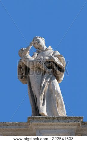 ROME, ITALY - SEPTEMBER 02: St. Anthony of Padua, fragment of colonnade of St. Peters Basilica. Papal Basilica of St. Peter in Vatican, Rome, Italy on September 02, 2016.