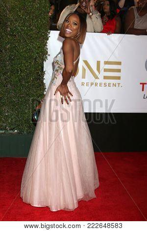 LOS ANGELES - JAN 15:  Yvonne Orji at the 49th NAACP Image Awards - Arrivals at Pasadena Civic Center on January 15, 2018 in Pasadena, CA